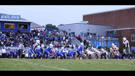 V 657 300 hen hud football homecoming