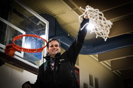 V 657 300 2018 luther cut the net